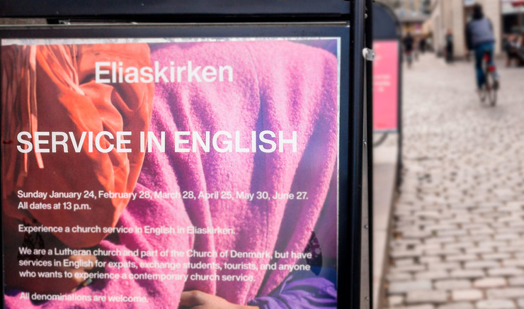 Poster with the text Service in English