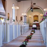 Begravelse rø kirke buketter.jpg