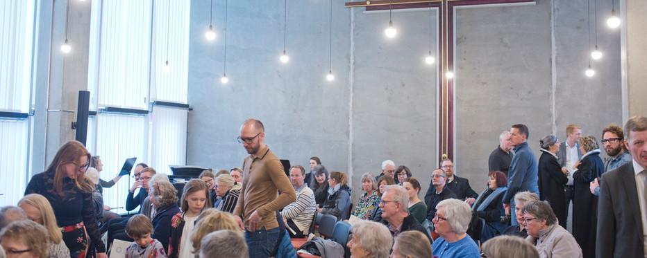 Kirken var fuld, da kirken i Ørestad holdt åbningsgudstjeneste